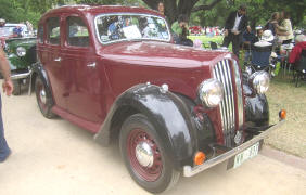 1946 - 1949 Singer Super Twelve Saloon